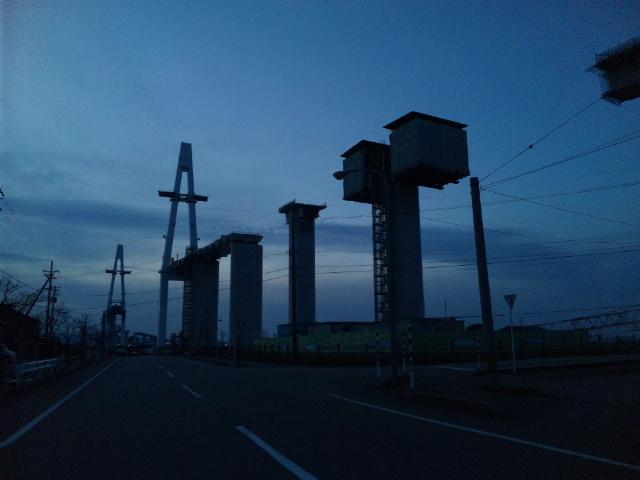 新湊大橋建設中