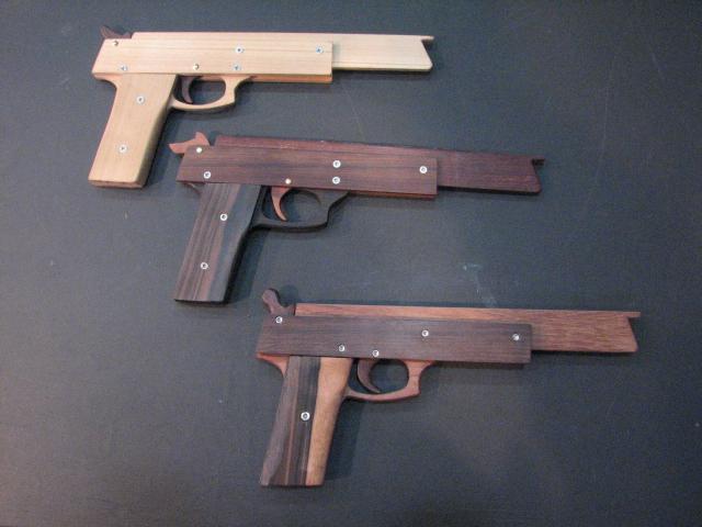 3丁のゴム鉄砲