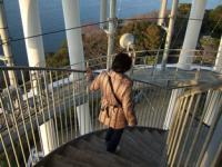 1/4 階段で降りる 江ノ島展望台