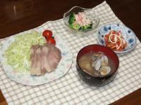 2/7 夕食 塩蒸し豚、ブロッコリーのサラダ、キムチマヨネーズ、あさりの味噌汁