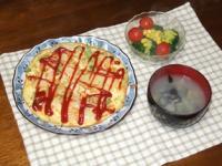 2/8 夕食 シーフードのスペイン風オムレツ、ブロッコリーのサラダ、シジミの味噌汁