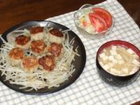 2/17 夕食 焼き小龍包、ポテトサラダ、豆腐とえのきの味噌汁