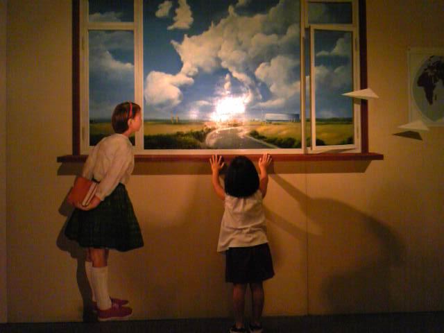 女の子と窓