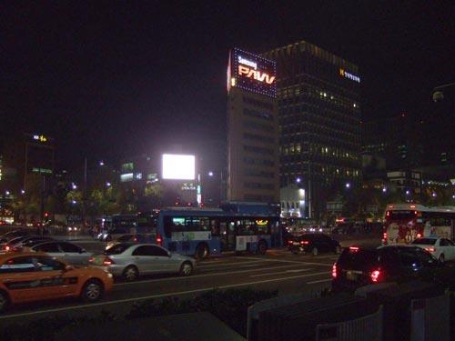韓国ソウル、サムスンのネオンサイン