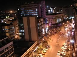 ナイロビ夜の道