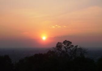プノン・バケンの丘から見たsunset