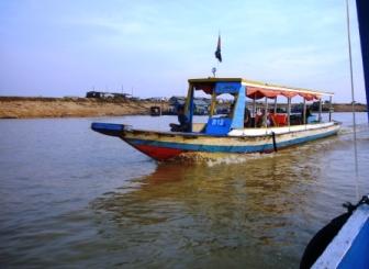 トンレサップ湖のボート