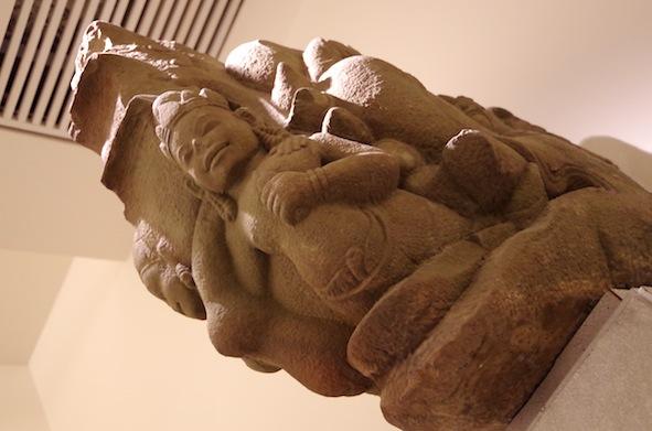 クメール彫刻17