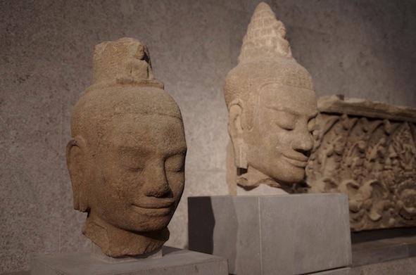 クメール彫刻25