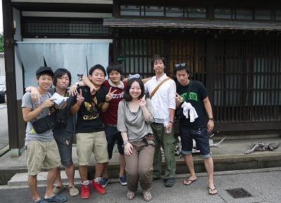 nakamachitachi01.jpg