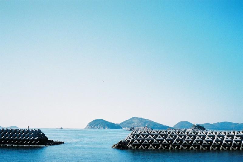青い海、空そしてテトラポット