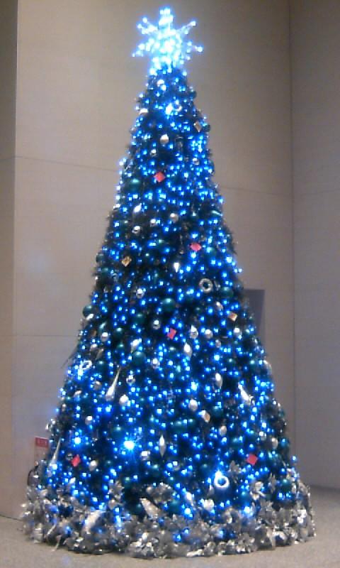 101208_171945ミッドランドスクウェアのクリスマスツリー