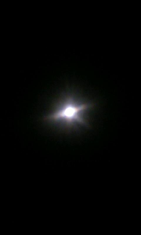 101218_221629お月様