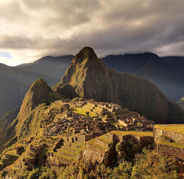 614px-80_-_Machu_Picchu_-_Juin_2009_-_edit.jpg