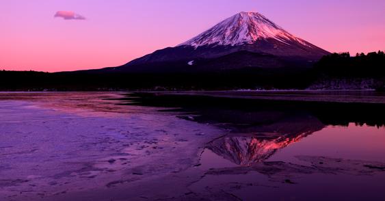 精進湖の紅富士