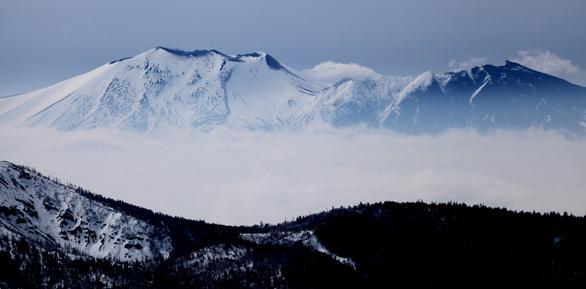 雲上の浅間山