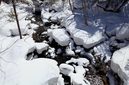 たっぷり冠雪の奥飛騨川最上流