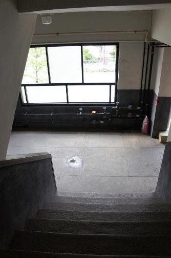 三階から二階