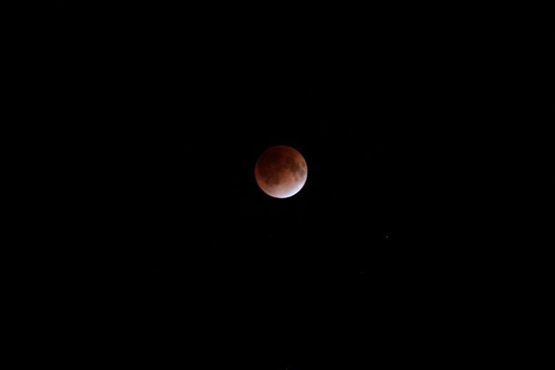 20111210皆既月蝕