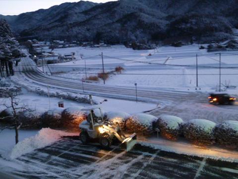 雪かき(12-1-24)2