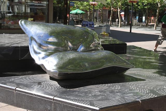 12-11クッション彫刻  005