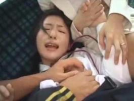 バスで痴漢にレイプされる母と娘(この無料アダルト動画がすごい!)