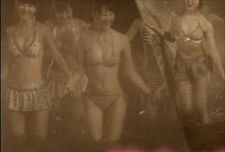 AKBの新曲PVが赤外線盗撮ぽくて松井玲奈の体がやらしい