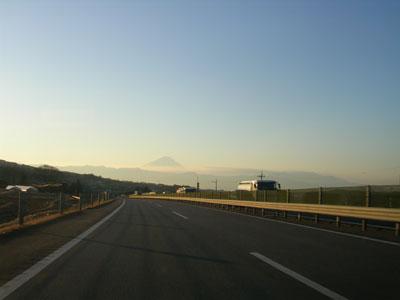 100220中央道富士山