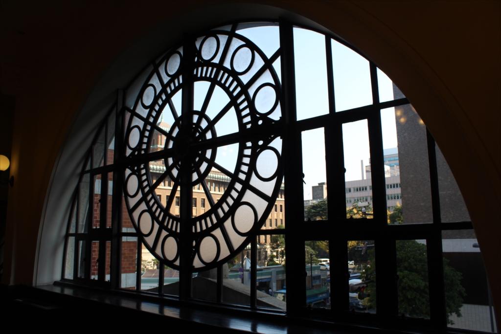 正面側の飾り窓…内側