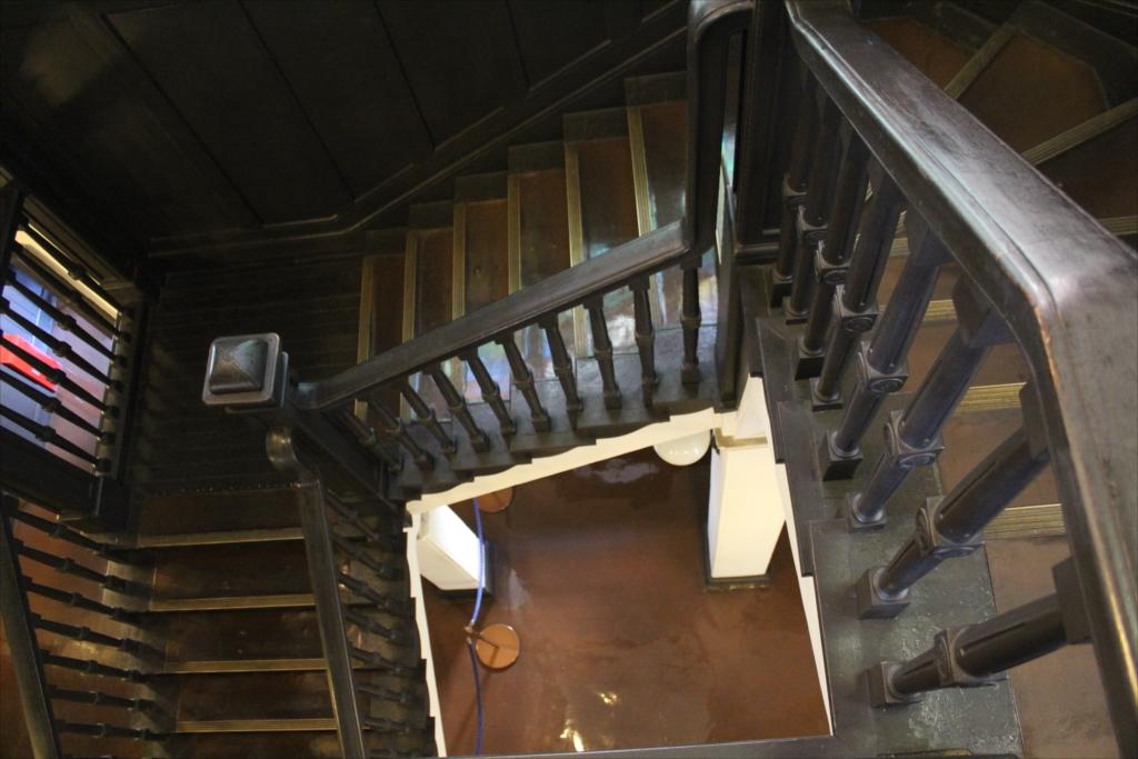 階段も素晴らしい