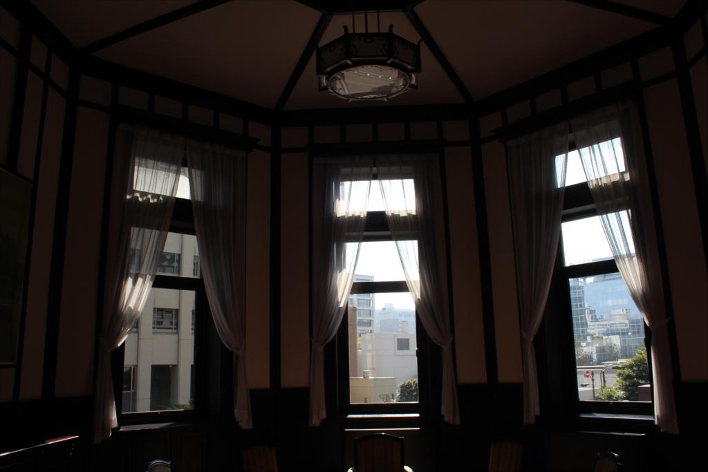 建物の端に位置する素晴らしい部屋_2