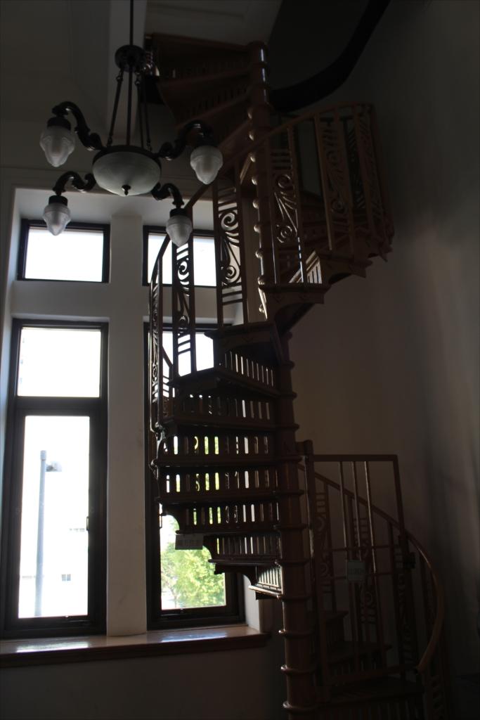 ジャックの塔に上るための螺旋階段のようだ_1