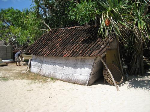 現地の方の住居もバリ島とはまるで違う。