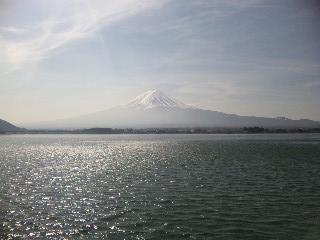 河口湖の湖上より 富士山
