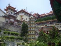 1890年建立のマレーシア最大の仏教寺院、極楽寺 (800x600)