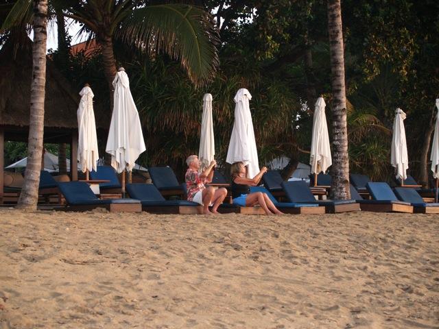 20101030朝のビーチ