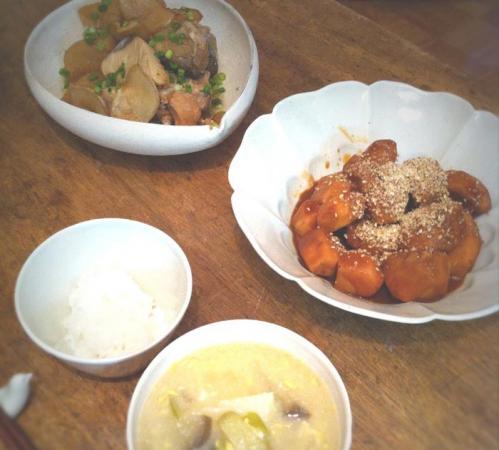 ぶり大根と里芋の味噌煮!