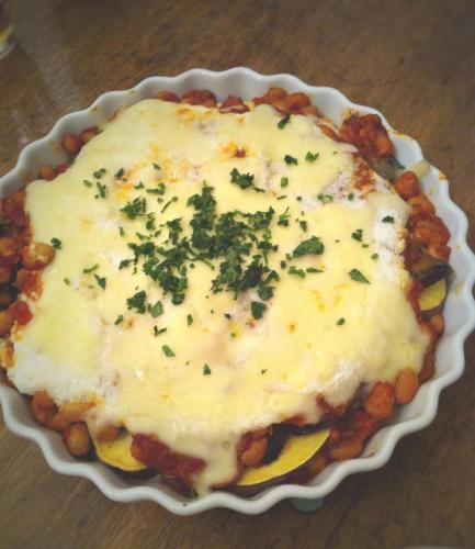 たくさん野菜のトマト煮グラタン。