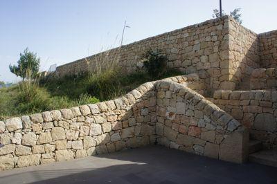 グルフィ石垣