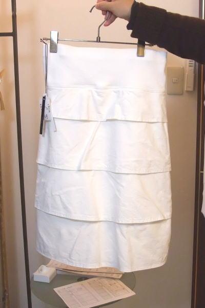 イリゼの後ろティアードのストレッチスカート