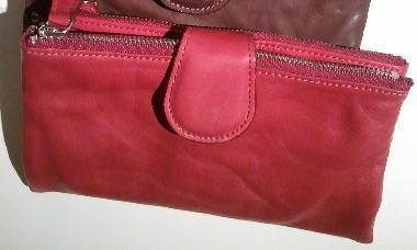 ストックマンのソフトな風合いが人気のお財布