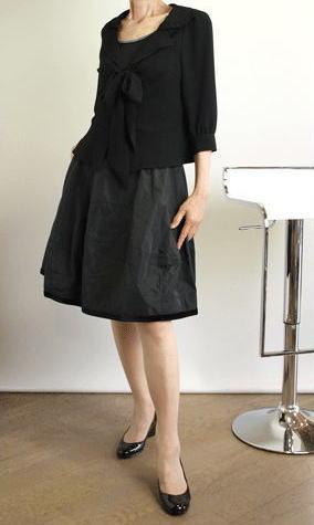 イリゼの人気ふんわりスカートのネイビーとブラック