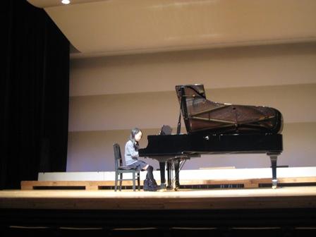美奈ピアノ発表会2010 004