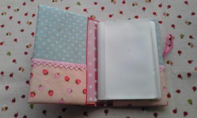 苺カードケース2
