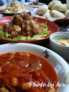 ウィンナーと大豆のトマト煮込み・鶏もも肉の焼き物・ほうれん草と卵のココット・ポテトサラダ・白ハイジパン