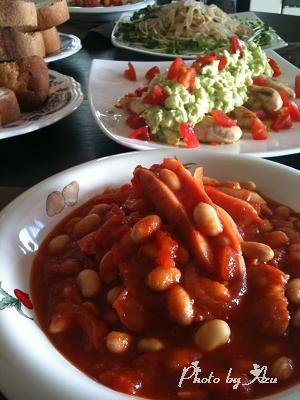 ウィンナーと大豆のトマトスープ・ささみのソテー+アボガドソース・春雨サラダ・ガーリックパン