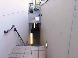 09-12-21 店階段