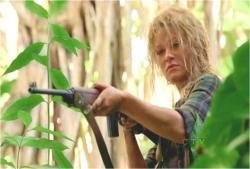 5突然、ジャングルの中から現れてジンを助けたクレア