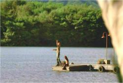 ジェリエットに渡すはずだった指輪を湖に投げ捨てたソーヤー