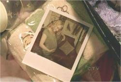 クレアの妊婦姿の写真